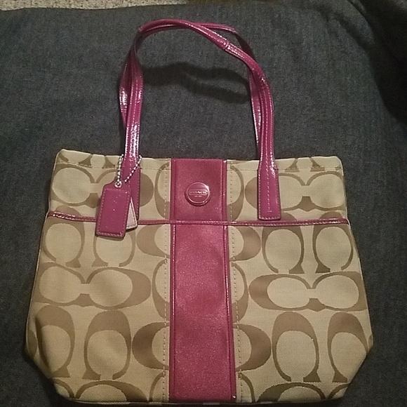 Coach Handbags - Coach signature stripe tote